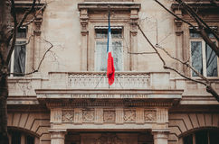 Balcão de Paris França com uma bandeira ao Palais de Justiça Fotos de Stock
