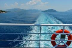 Balc?o de um ferryboat imagem de stock royalty free