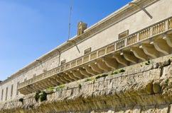 Balcão longo, casa mediterrânea, Valletta Malta Imagem de Stock