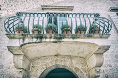 Balcão na casa velha, Trogir, filtro análogo foto de stock royalty free