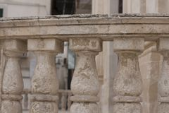 Balcão velho em Itália foto de stock royalty free