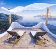 Balcón con el fondo del concepto de las vacaciones de las opiniones del mar y de dos sillas imagen de archivo libre de regalías