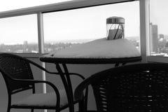 Balcón cubierto en nieve Fotografía de archivo libre de regalías