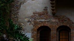Balcón de Juliet en Verona, símbolo del amor y del romance, ideal representar el concepto de amor almacen de video