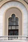 Balcón de mármol en la casa imágenes de archivo libres de regalías