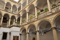 Balcón de piedra Imágenes de archivo libres de regalías