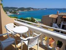 Balcón del apartamento en Mallorca, España Fotos de archivo
