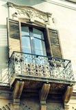 Balcón del edificio barroco viejo en Catania, arquitectura tradicional de Sicilia, Italia fotografía de archivo libre de regalías