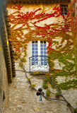 Balcón del Romaine del la de Vaison en caída Fotos de archivo