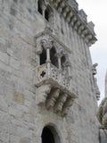 Balcón esculpido en el edificio de piedra Imagen de archivo