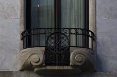 Balcón perfecto en su simetría fotografía de archivo libre de regalías