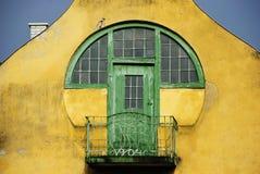 Balcón rústico verde Fotografía de archivo libre de regalías