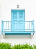 Balcón renovado del azul de la fachada Imagen de archivo libre de regalías