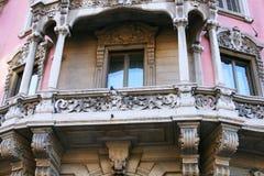Balcón viejo en Milano Imagen de archivo libre de regalías