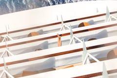 Balcões em um navio de cruzeiros, plataformas com vigília ou fuga imagem de stock royalty free