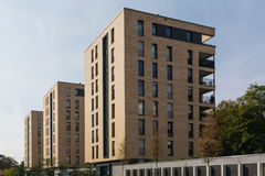 Balcões modernos alemães do complexo de prédio de apartamentos da arquitetura caros Imagens de Stock
