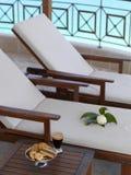 Balcon avec des sunbeds Images stock