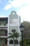 Balcon colonial vert au Cuba Photographie stock libre de droits