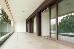 Balcon d'un nouvel appartement Images libres de droits