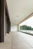 Balcon d'un nouvel appartement Image stock
