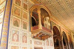 Balcon et piliers décorés au palais d'été de Sultan Tipu images stock