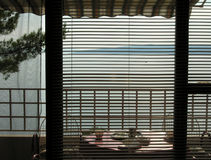 Balcon et vue sur des îles en Croatie Photo stock