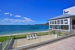 Balcon à la maison de luxe Images stock