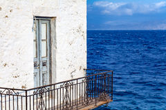 Balcon par la mer Photo stock