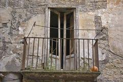 Balcon ruiné Image libre de droits
