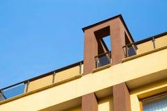 Balcone all'aperto e portico coperto fotografia stock