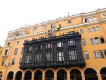 Balcone coloniale di legno in una costruzione, centro di Lima Immagine Stock Libera da Diritti