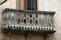 Balcone con gli arché di pietra Immagini Stock