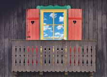 Balcone di legno del chalet Fotografia Stock Libera da Diritti