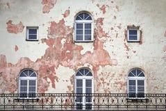 Balcone e finestre lunghi Fotografia Stock Libera da Diritti
