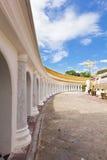 Balcone intorno al pagoda in un tempiale Immagine Stock
