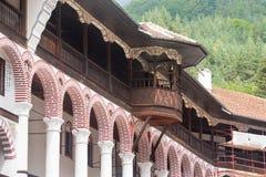 Balcone nel monastero di Rila in Bulgaria fotografie stock