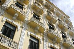 Balcones coloniales fotos de archivo