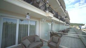 Balcones de un hotel de cinco estrellas en Kranevo, Bulgaria almacen de video