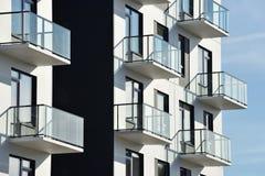 Balcones en la arquitectura moderna imagen de archivo libre de regalías