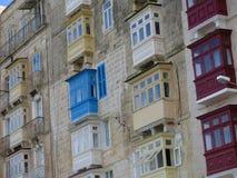 Balcones en los apartamentos, La La Valeta, Malta imagen de archivo