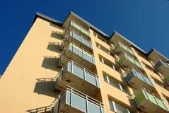 Balconi della costruzione di appartamento fotografie stock libere da diritti