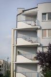 Balconi della palazzina di appartamenti Immagine Stock