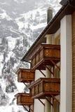 Balconi di legno nell'inverno Fotografia Stock