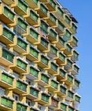 Balconi di un'alta costruzione di appartamento Immagine Stock