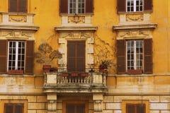 Balconie de vista antigo imagens de stock royalty free