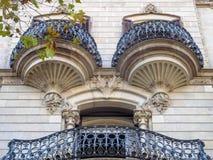 Balcons admirablement formés - Barcelone photographie stock libre de droits