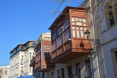 Balcons dans la vieille ville de Bakou Photo stock