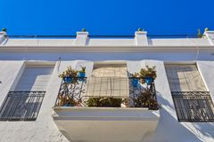 Balconys com as flores em Mijas spain fotos de stock royalty free