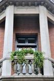 Balcoy met uitstekend graveert en decoratie Stock Fotografie