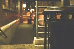 Balde do lixo do metal na rua foto de stock royalty free